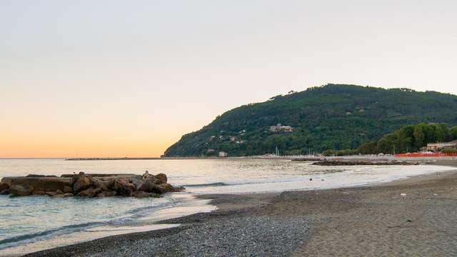 Sulla costa ligure con tutta la famiglia in appartamento per 4 persone!