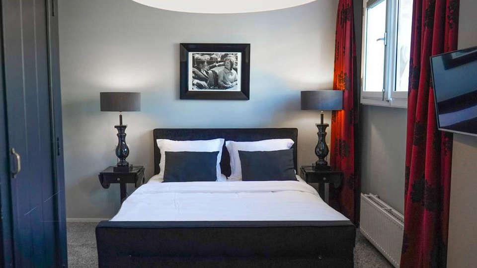 Hotel Huis van Bewaring - EDIT_Room-4.jpg