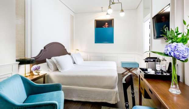 Escapada romántica con frutas y chocolate en la habitación en hotel ubicado en la Gran Vía de Madrid