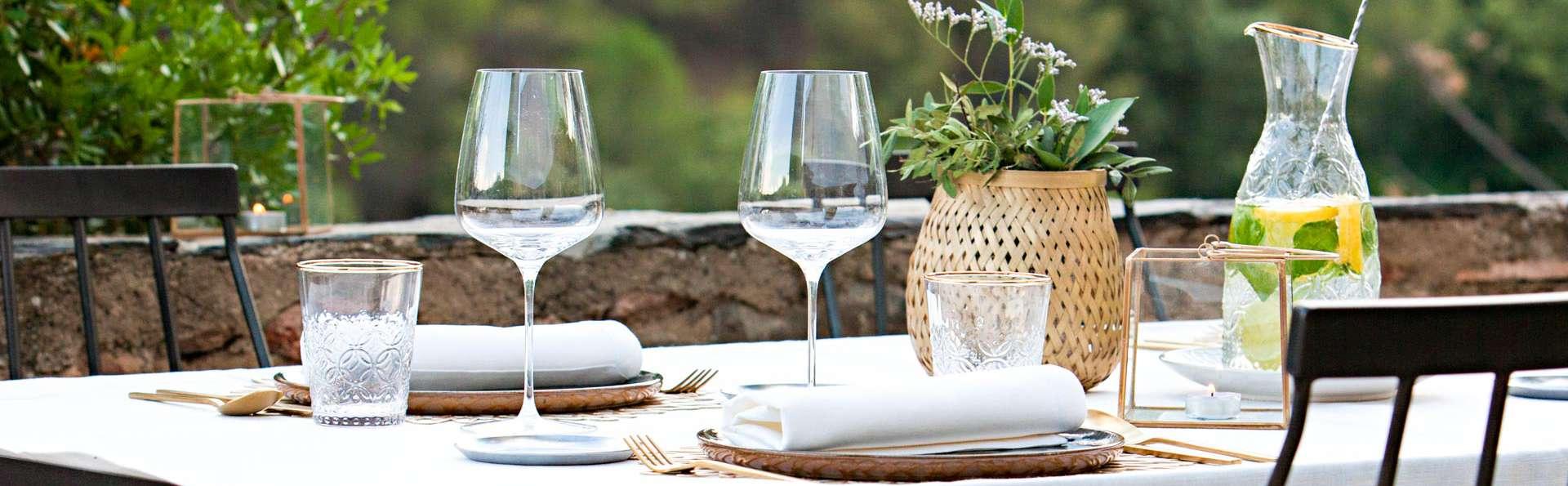 Escapade exclusive avec dîner gastronomique et produits locaux dans un hôtel de charme
