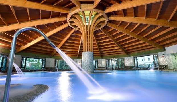 Escapada Relax con acceso a la piscina termal y cóctel en la terraza del Balneario de Solares