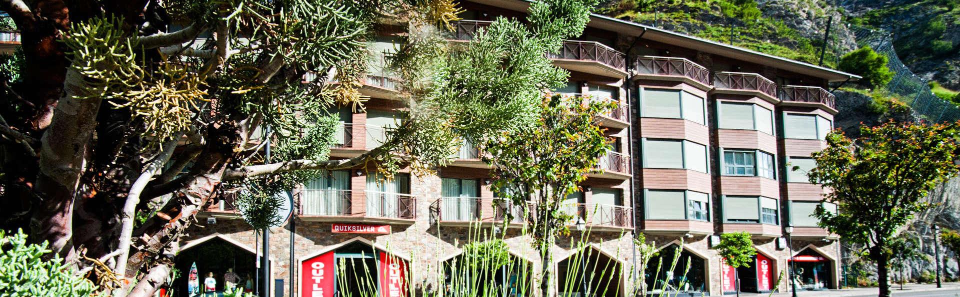 Andorra4Days Canillo - EDIT_FRONT-2.jpg