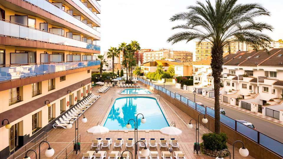 H Top Calella Palace Family & SPA 4* Sup - EDIT_POOL_11.jpg