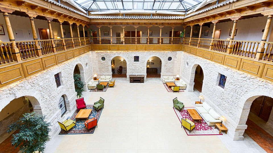 Hotel Spa Convento Las Claras - EDIT_N2_LOOBY-7.jpg