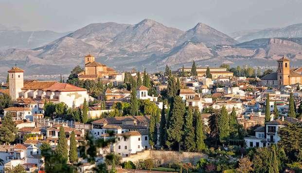 Escápate a los pies de Sierra Nevada y descubre Granada