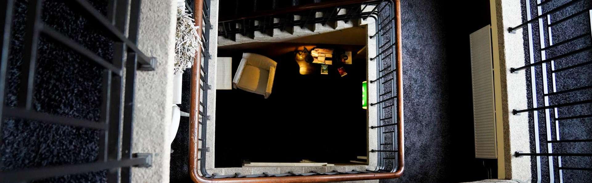 Hotel Huis van Bewaring - EDIT_NEW_HALL_03.jpg