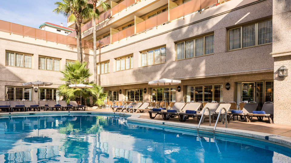 H Top Amaika 4* Superior - Adults Only (16+) - EDIT_POOL1.jpg