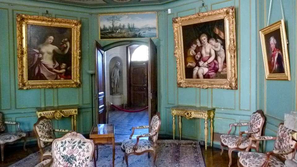 Comfort Suites Porte de Genève - EDIT_CHATEAU-DE-FERNEY-VOLTAIRE_03.jpg