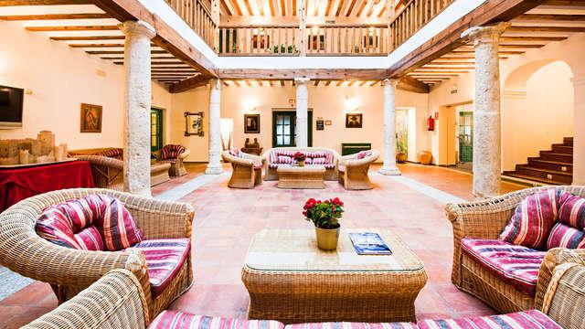 Escapada familiar con cena manchega en un edificio emblemático de Belmonte y vistas espectaculares
