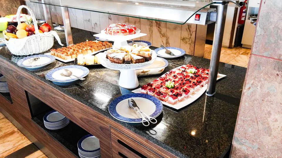 Holiday Inn Algarve - EDIT_NEW_RESTAURANT-BAR-4.jpg