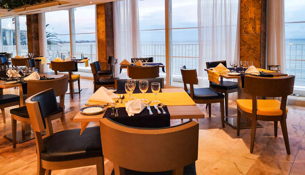 Romantische getaway met diner aan de kust van de Algarve met directe toegang tot het strand