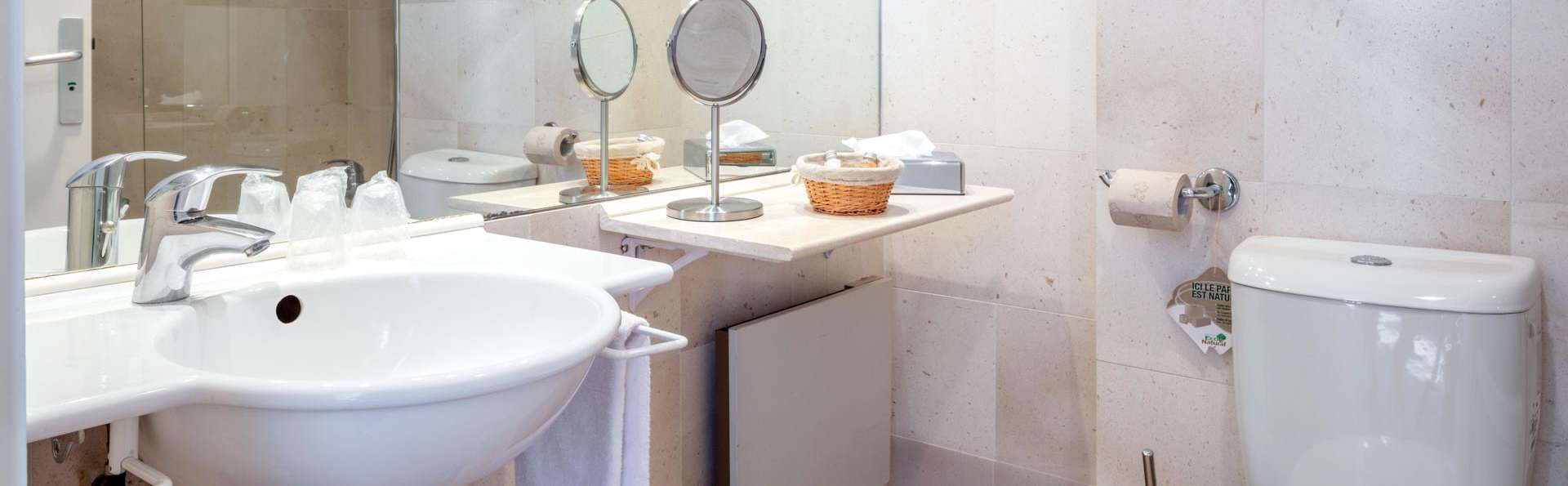 Garrigae Manoir de Beauvoir  - EDIT_BATHROOM_03.jpg