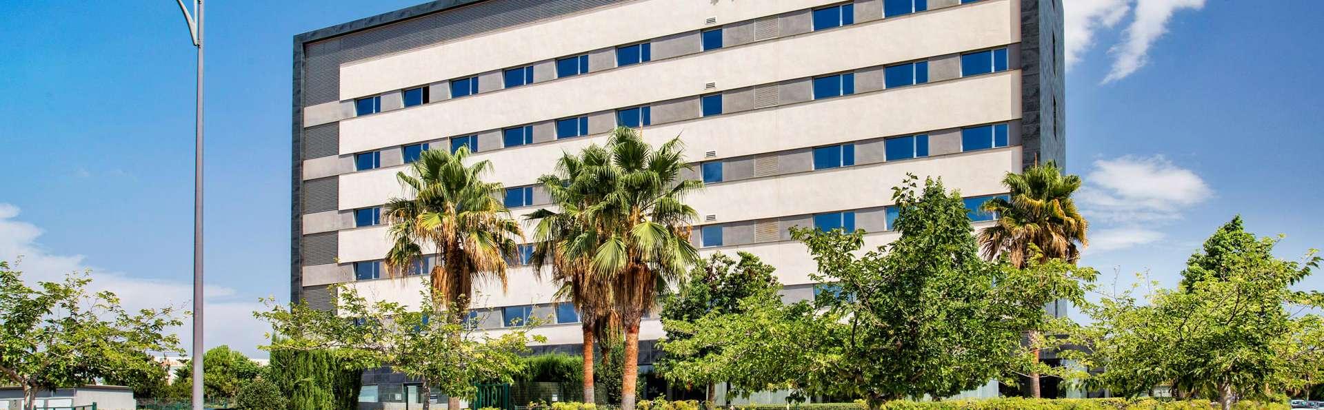 Hotel Táctica  - EDIT_FRONT_03.jpg
