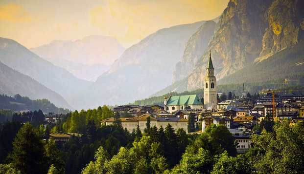 Au cœur de Cortina d'Ampezzo, dans un hôtel 4 étoiles situé à deux pas des remontées mécaniques