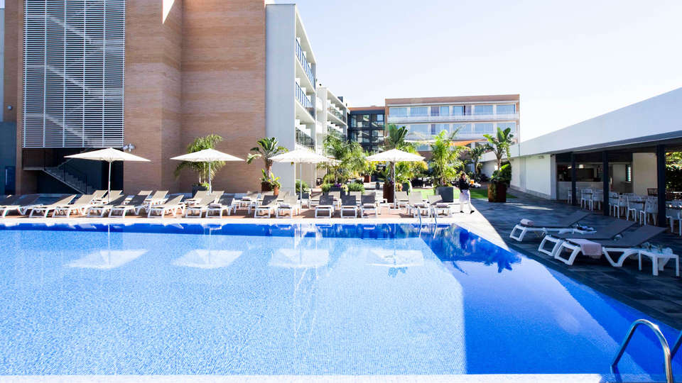 Altafulla Mar Hotel - EDIT_Pool.jpg