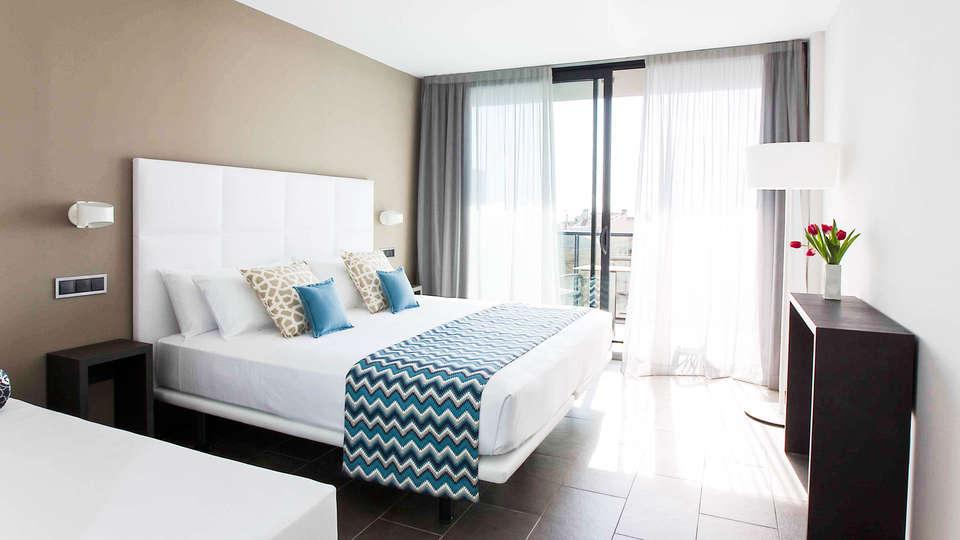 Altafulla Mar Hotel - EDIT_Room.jpg