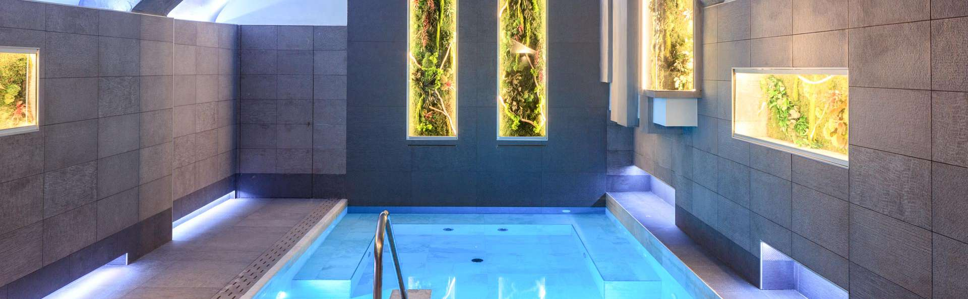 Relax privato nel borgo di Artimino con spa e massaggio