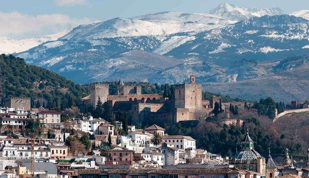 Granada con parking y con forfait includio de 1 día en Sierra Nevada