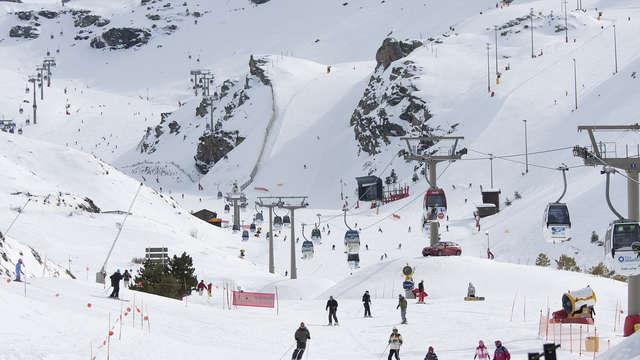1 Forfait de esquí en Sierra Nevada para 2 adultos