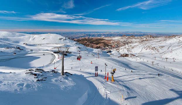 Bungalow con jacuzzi, bañera de hidromasaje y forfait para esquiar en Sierra Nevada