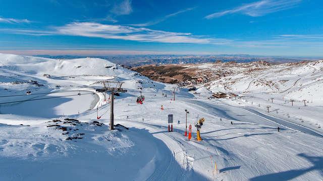 Escapada Montaña y esquí, alójate en Granada con forfait incluido