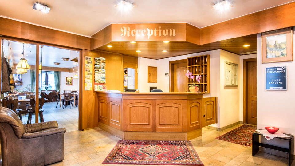 Hotel Le Postillon - EDIT_NEW_Reception.jpg