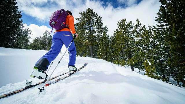 Escapade avec forfait de ski à Vallnord, dîner et accès à Caldea en séjournant à La Cortinada