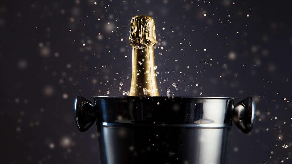 Best Western Gustave Flaubert - EDIT_NEW_ALCOHOLIC-DRINKS_11.jpg
