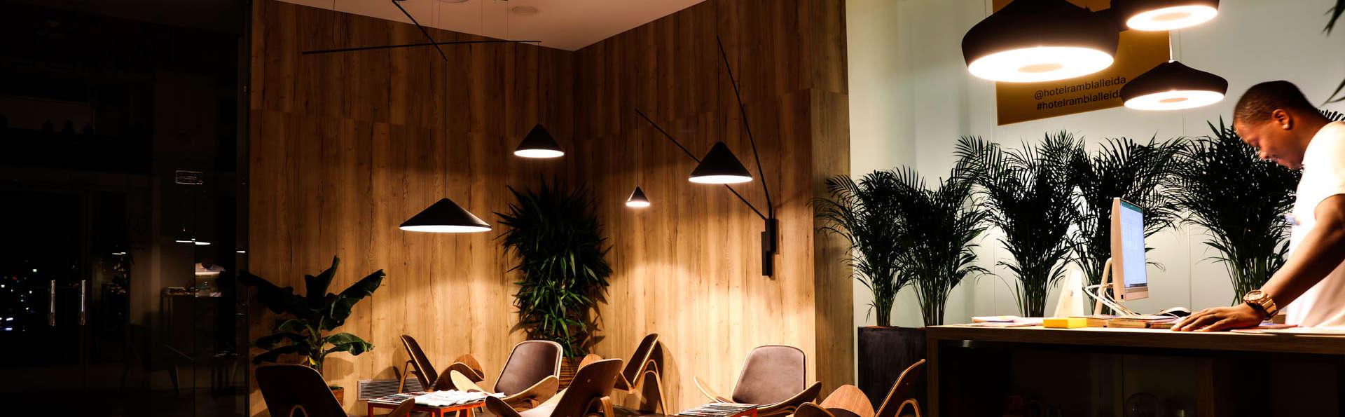 Hotel Rambla Lleida - EDIT_Reception2.jpg