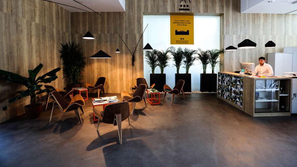 Hotel Rambla Lleida - EDIT_Reception3.jpg