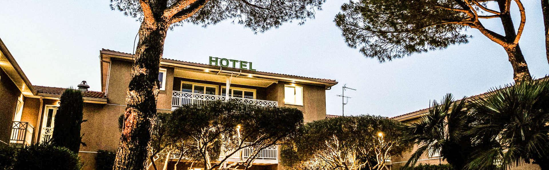 Best Western Plus Hyeres Cote d'Azur - EDIT_Exterior-2.jpg