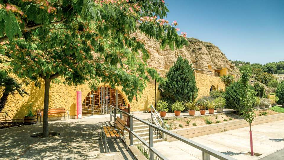 Cuevas de Bardenas - EDIT_FRONT_01.jpg