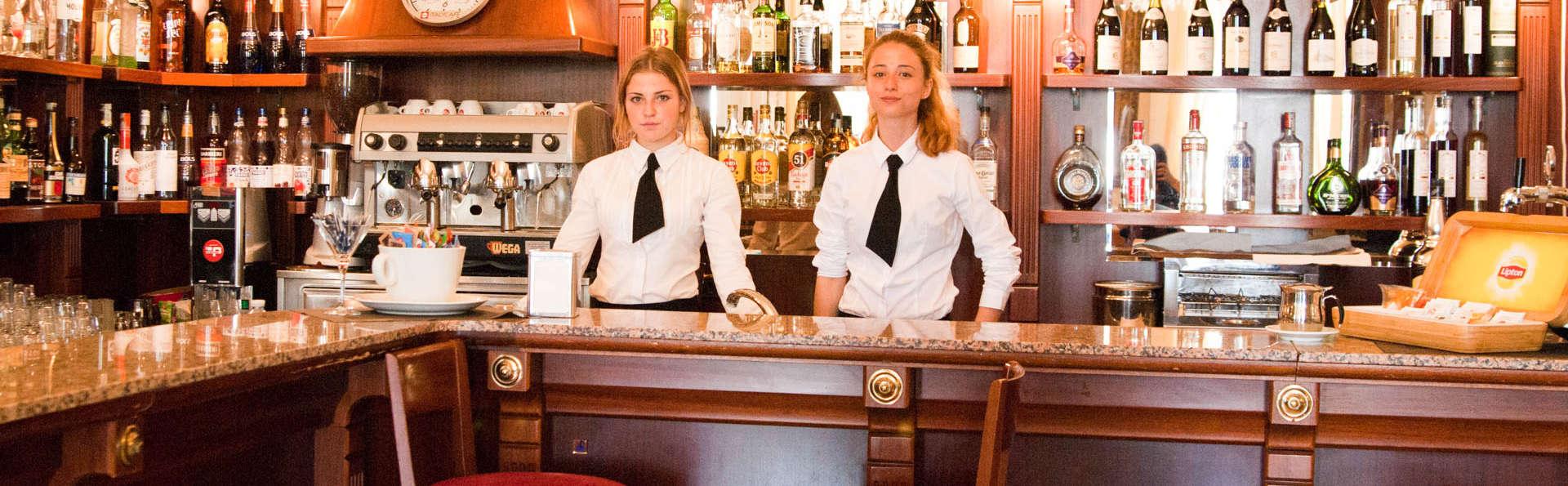 Grand Hotel & Des Anglais - EDIT_Bar.jpg