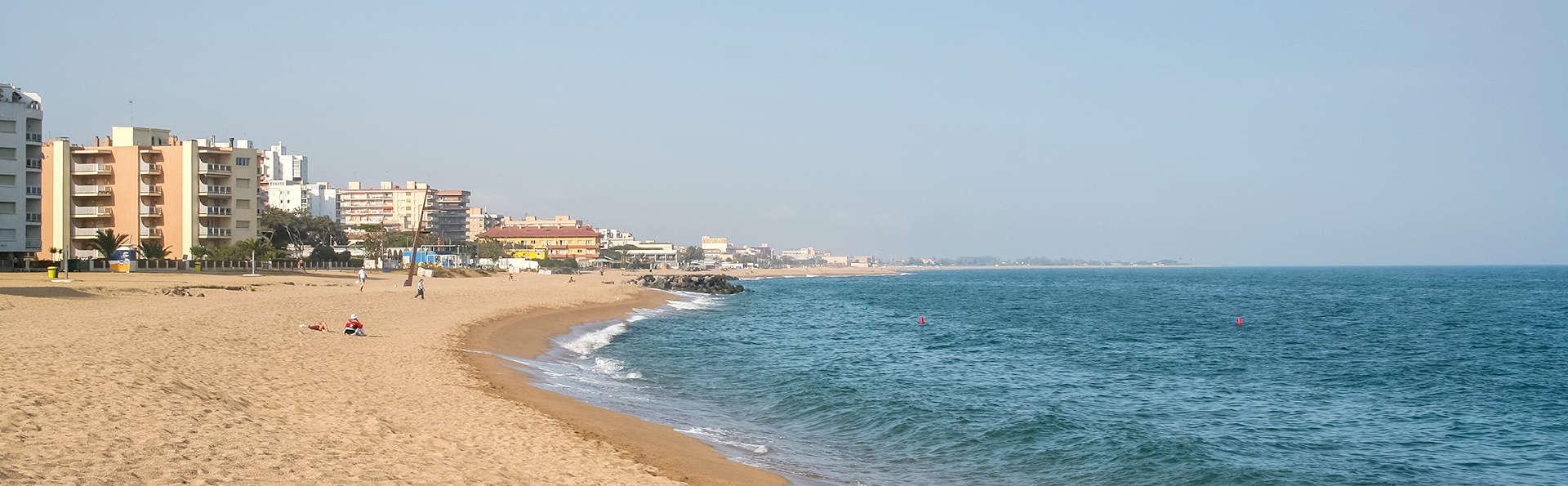 Soleil et plage à Santa Susanna avec vos enfants