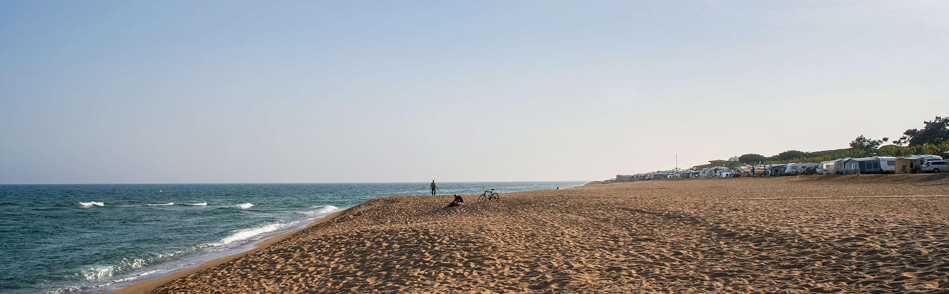 Petit-déjeuner en face de la plage de Santa Susanna