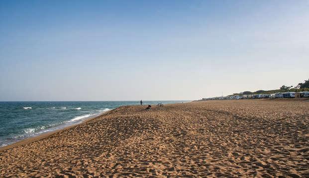 Desayuno enfrente de la playa de Santa Susanna