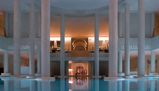 Relájate frente al mar y disfruta de una sesión de spa en un hotel de lujo 5 estrellas