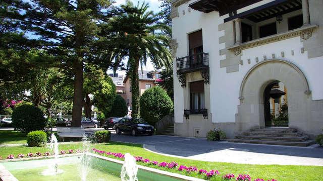 Romanticismo en un exclusivo Palacio Asturiano con sidra y dulce típico asturiano