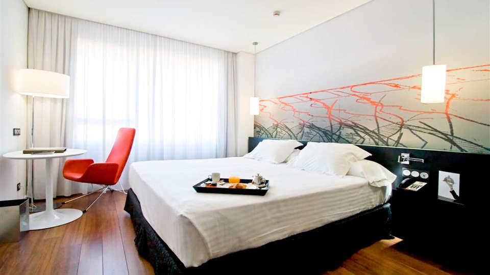 AXOR Barajas - EDIT_bedroom_2.jpg