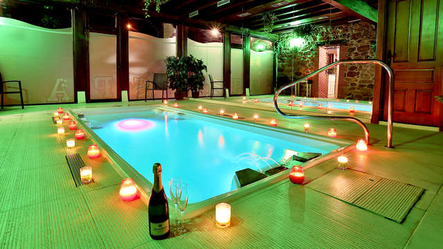 Rebajas: Romanticismo con spa privado en una casona típica Cántabra