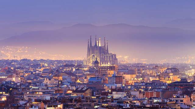 Vue sur la Sagrada Familia dans un appartement moderne au coeur de Barcelone