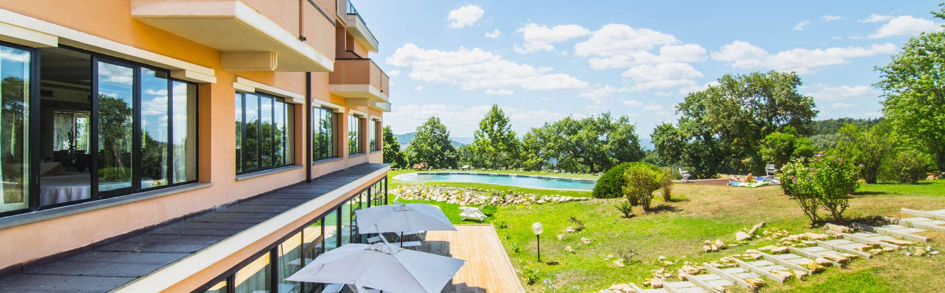 Offerta Ferragosto 2019 in Toscana: Soggiorno  in Resort con piscina