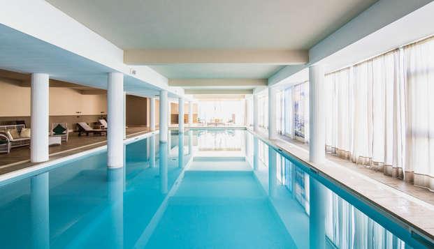 Haz una escapada romántica a la Toscana y disfruta de una suite con sauna, spa y cena