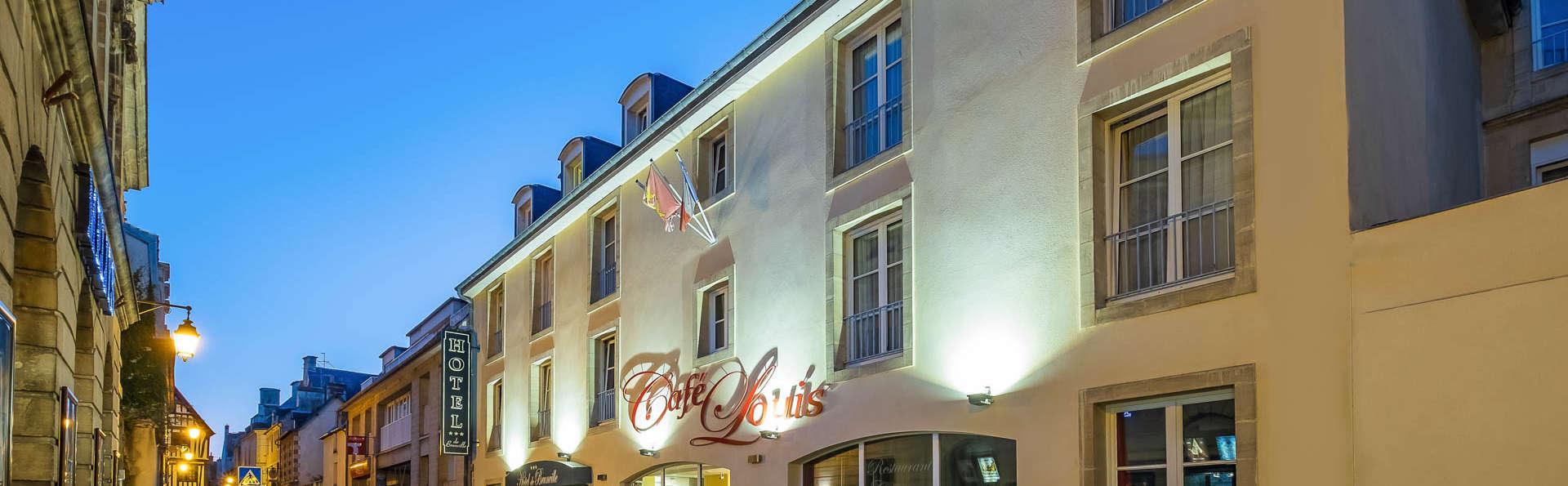 Hôtel de Brunville - EDIT_NEW_FRONT.jpg