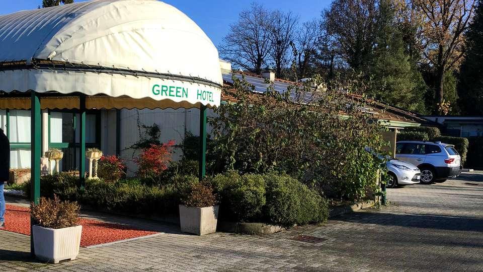 Green Hotel - EDIT_FRONT_01.jpg