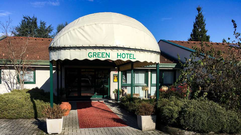 Green Hotel - EDIT_FRONT_02.jpg