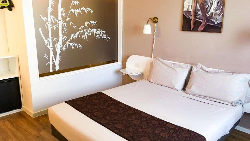 Green Hotel - EDIT_ROOM_01.jpg