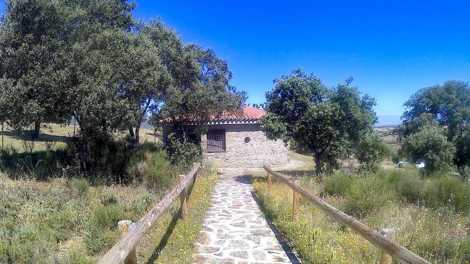 Chozos Rurales de Carrascalejo - EDIT_EXTERIOR_08.jpg