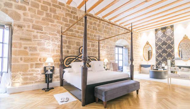 Escapada en Junior Suite con desayuno y acceso al spa en un Palacio 5* de Úbeda