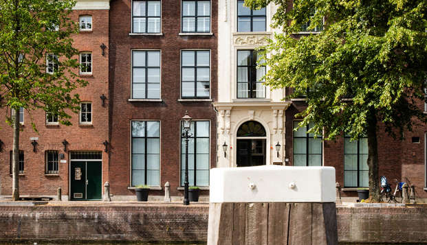 Passez la nuit dans un monument national historique à Schiedam près de Rotterdam